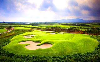 高爾夫球假期~青島高爾夫球5日、3場球、四人成行 cover photo