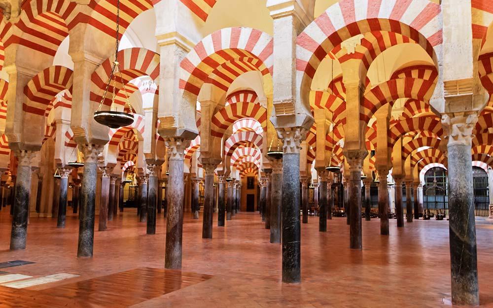 西班牙超值10日~托雷多大教堂、哥多華清真寺、塞維亞大教堂、聖家堂、奎爾公園 cover photo